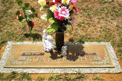 Brady James and Beatrice Boatwright Gravestone