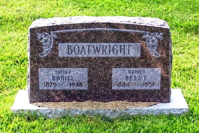 Daniel and Bessie Mae McClain Boatwright Gravestone