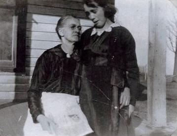 Emily Jane Boatright and daughter Carmen