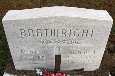 Garfield Daniel and Bertha Bodkins Boatwright Gravestone