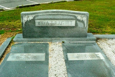 James Osborn and Bessie Curl Boatright Gravestone