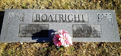 John Leonard and Lela Lou Looney Boatright Gravestone