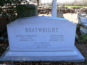Lewellyn Threewitts Boatwright Gravestone