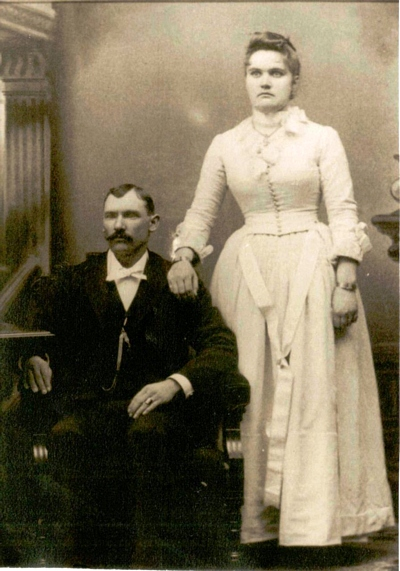Mary Frances Boatright and William Jesse Davis - Source: Dan Boggan - great-grandson