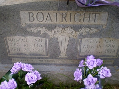 Monroe Earle Boatright Gravestone
