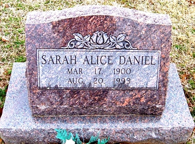 Sarah Alice Boatright Daniel Gravestone
