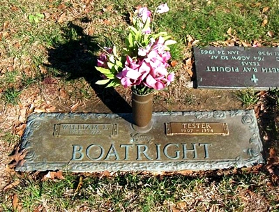 William Linden and Tester Lowe Boatright Gravestone: