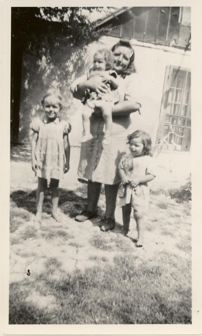 Zelma Redd Boatwright and Daughters